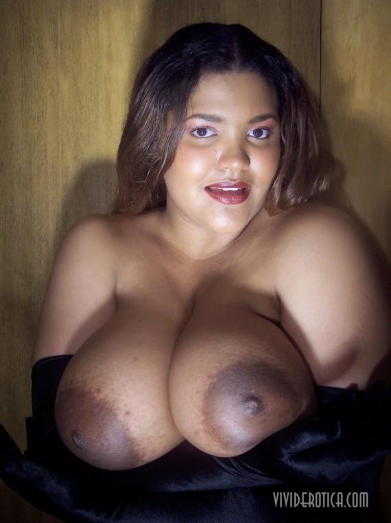 46H, big boobed, bronze beauty Mandy Casa.