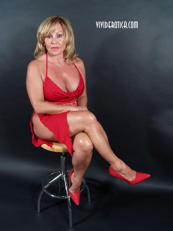 Big tit, hotlegged, cougar, Piper O'Toole