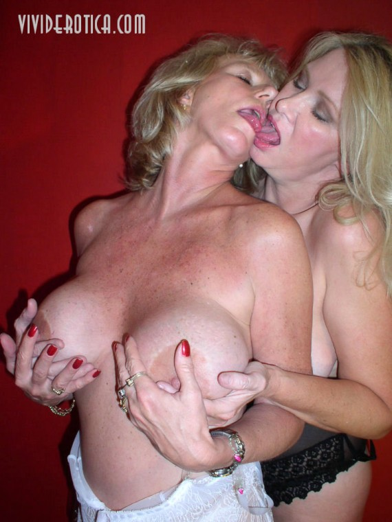 Milf's swinger mom Susan and jizz Liz at sexual play.